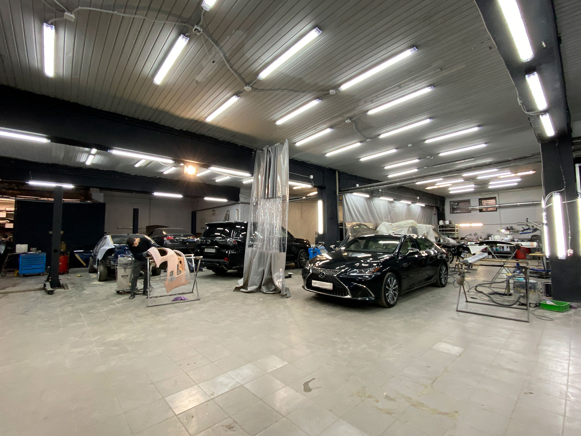 На кузовном ремонте Lexus, BMW, Honda