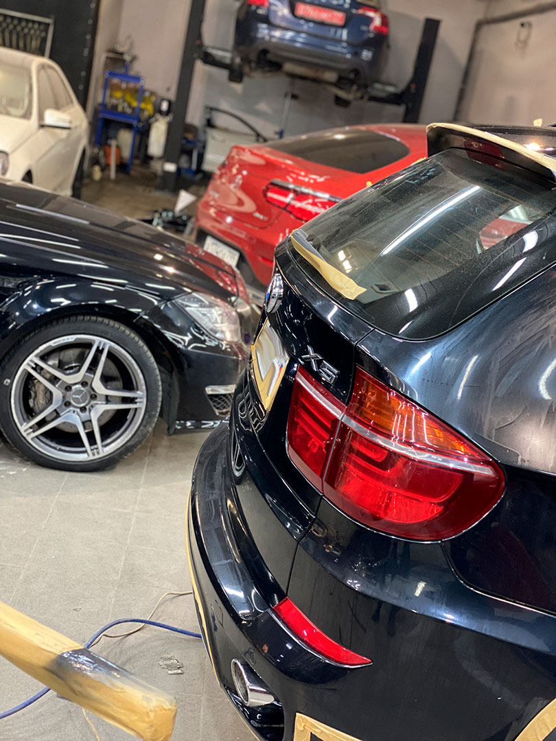 Кузовной ремонт BMW X5, Mercedes CLS63, Mercedes GLC